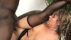 Attractive hussy Kelly Leigh likes having her ass plugged by BBC