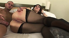 Hot Latina in lingerie has a hung guy fucking her twat all over the bed