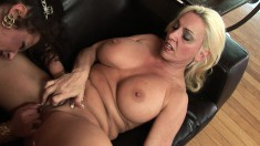 Angelica Lauren gets it on with another woman and toy and lick their twats