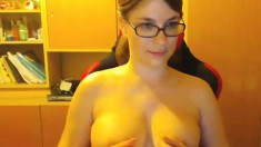 Hot Teen Shows Her Amazing Big Boobs