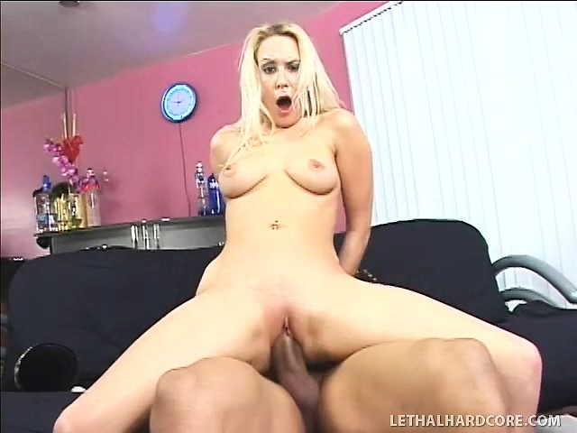 Big Booty White Slut Black Cock
