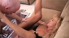 Slutty blonde Mia enjoys a deep fucking on the couch and gets a mouthful of cum