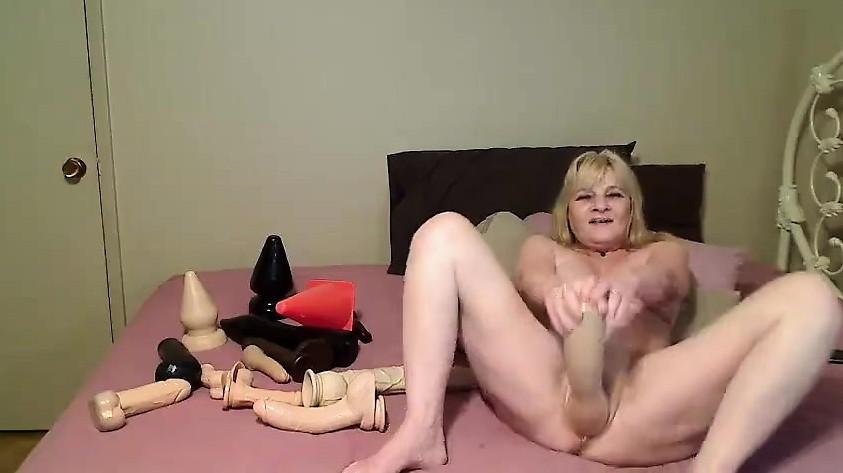 Hard ebony full split porn