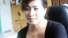Chinese Milf Plays And Gets Caught Continue on MyCyka com